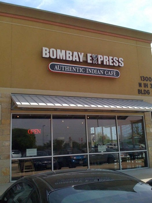 BOMBAY EXPRESS (Indian Cafe)