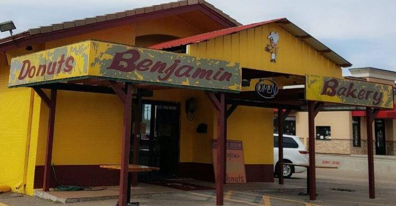 Benjamin Donuts Western