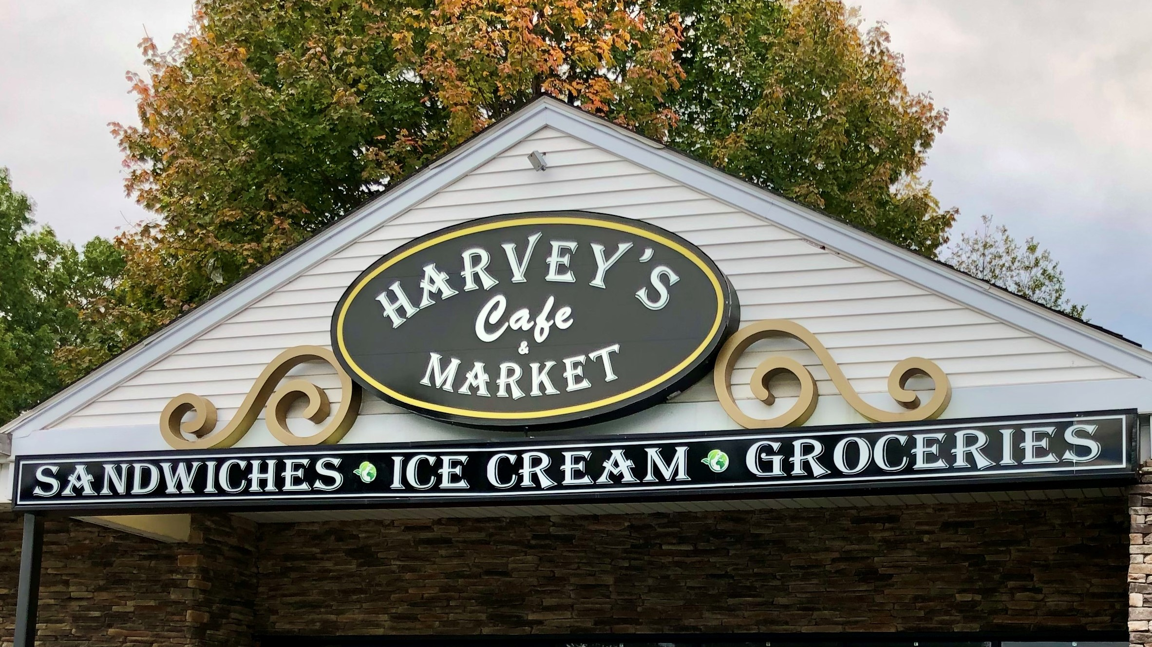 Harvey's Cafe and Market