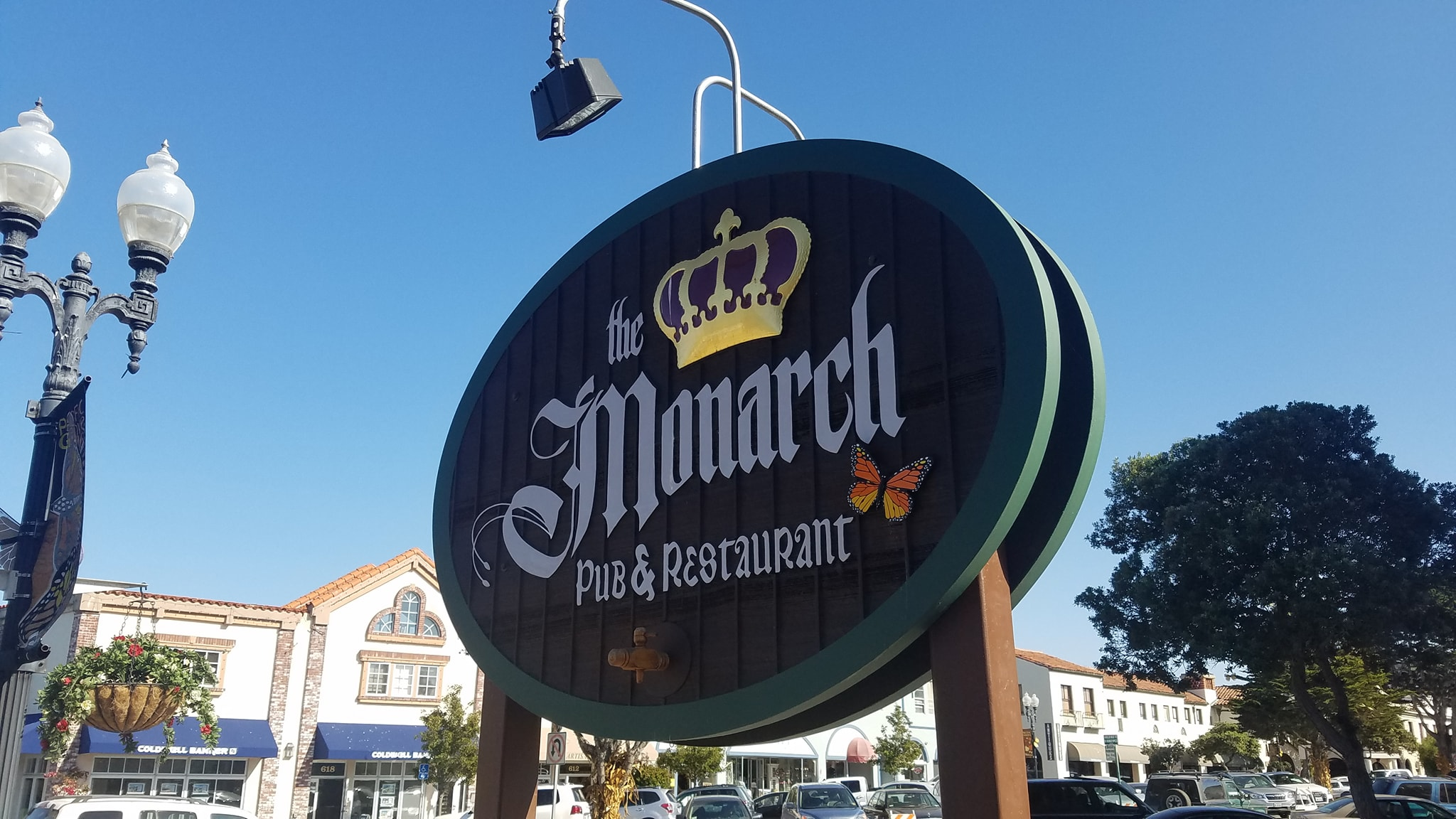 Monarch Pub & Restaurant