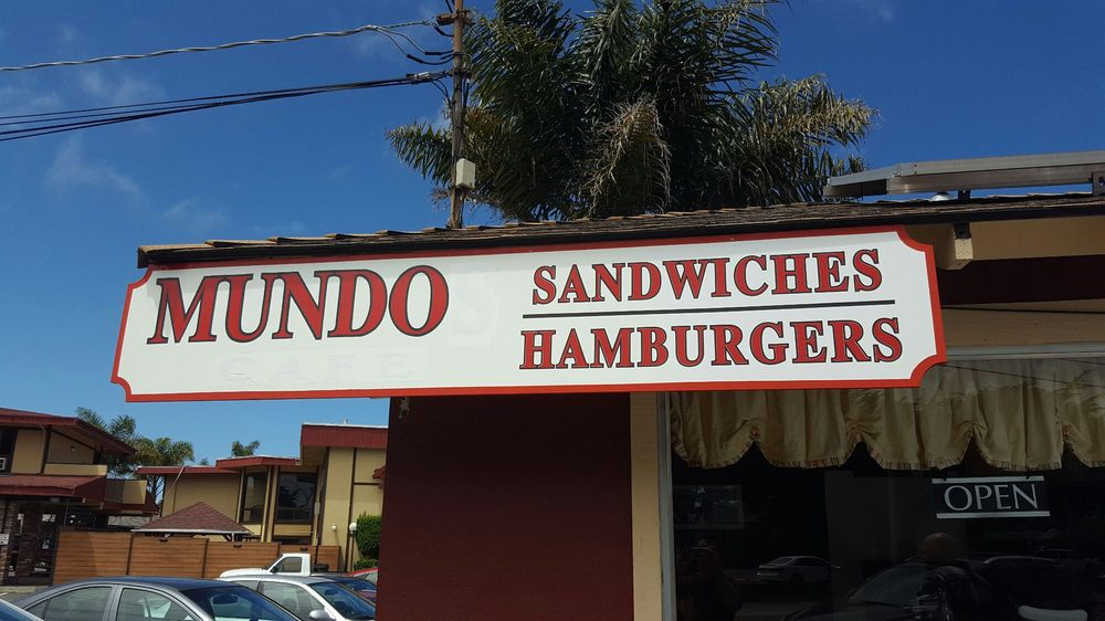 Mundos Sandwich & Burger House (Fremont St)